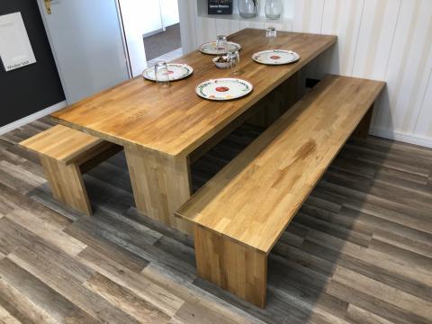 Tischgruppe Eiche massiv geölt 1 Tisch und 2 Bänke